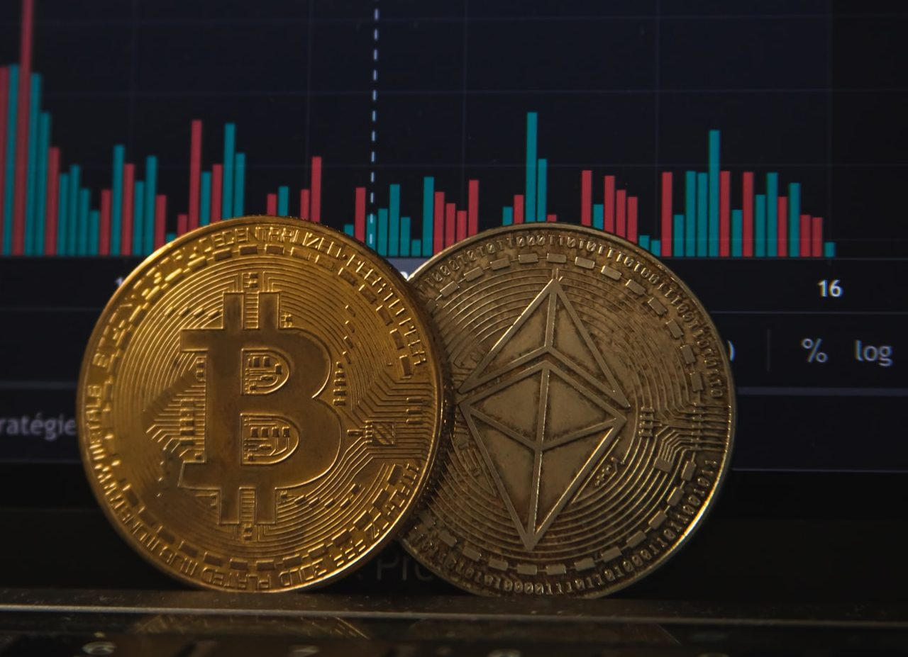 Bitcoin and Etherium cryptocurrency